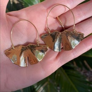 Anthropologie Jewelry - Anthro Gold Gingko Leaf Earrings